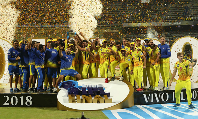 CSK with IPL trophy-2018