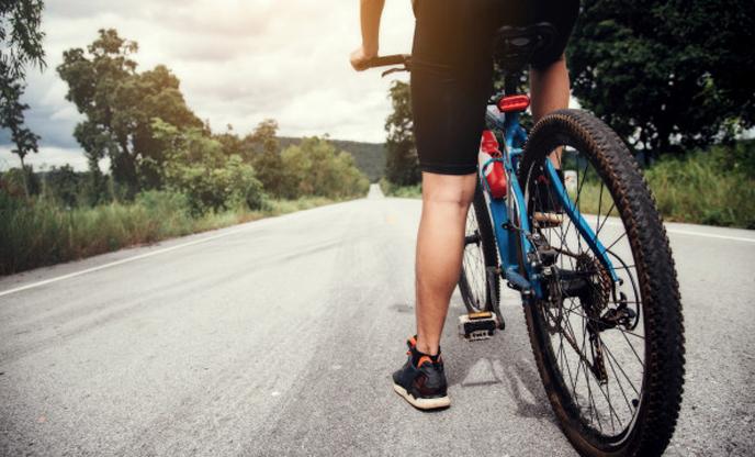 cyclist-man-racing-bike-outdoor