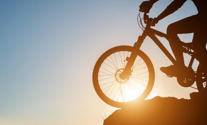 travel-cycling-mountain